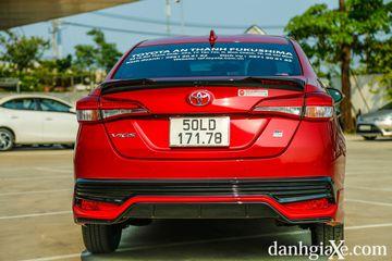 Đuôi xe Toyota Vios GR-S khác biệt với ốp cản sau GR-S hầm hố