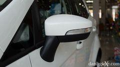 Gương chiếu hậu chỉnh điện, gập điện tích hợp đèn báo rẽ trên xe Ford EcoSport