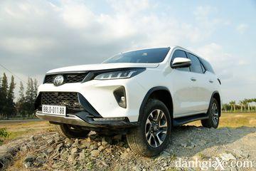 Toyota Fortuner Legender 2.8AT 4X4 2021