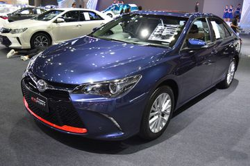 toyota-camry-esport-front-three-quarters-at-2017-bangkok-international-motor-show-012845.jpg