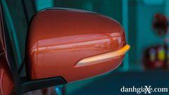 Gương chiếu hậu chỉnh điện, gập điện tích hợp đèn báo rẽ LED trên xe Suzuki XL7