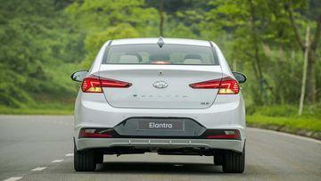 Danh gia so bo xe Hyundai Elantra 2019