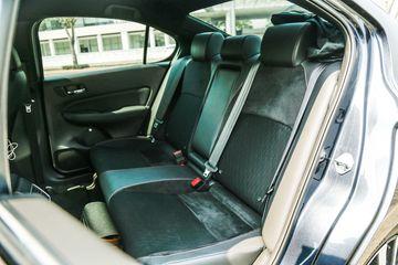 Hàng ghế thứ 2 có khoảng để cân tiệm cân phân khúc Sedan hạng C