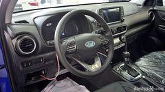 Vô lăng Hyundai Kona dạng 3 chấu, bọc da