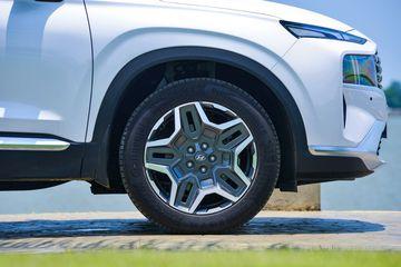 Mâm xe Hyundai Santa Fe thiết kế ấn tượng hoàn toàn khác biệt