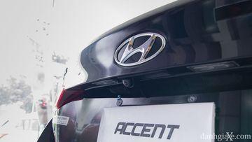 Camera lùi trên Hyundai Accent 2018