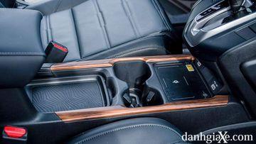 Bệ tỳ tay trung tâm tích hợp hộc để đồ trên Honda CT-V 2021