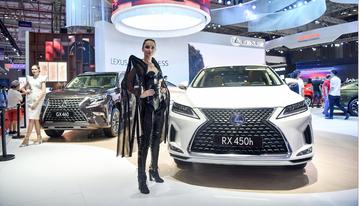 RX 450h trưng bày tại Triển lãm Ô tô Việt Nam 2019