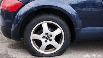 Áp suất lốp ô tô quá thấp - lốp quá non