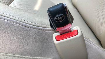 Những phụ kiện gây nguy hiểm lái xe 8