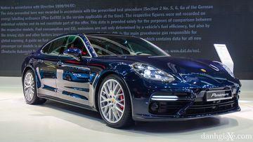 Porsche Panamera Turbo trang bị máy V8 4.0L Twin turbo