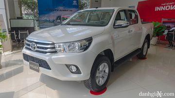 Hãng dầu nhớt cho ô tô nổi tiếng là Totachi và các tạp chí Danhgiaxe đánh giá chi tiết Toyota Hilux.