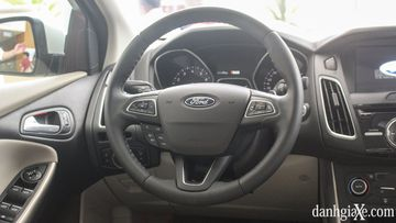 Danh gia so bo Ford Focus 2018