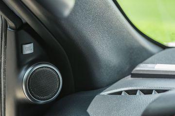 11 Loa JBL quanh xe cho chất lượng âm thanh vừa tầm