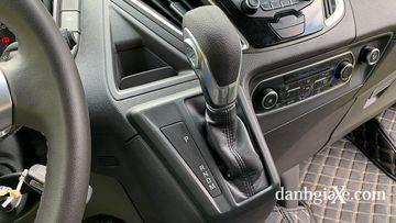 Danh gia so bo xe Ford Tourneo 2019