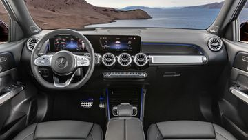 Danh gia so bo xe Mercedes-Benz GLB 200 AMG 2021