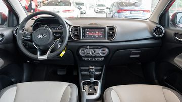 Danh gia so bo xe Kia Soluto 2019