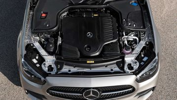 Phiên bản Mercedes-Benz E-Class 2021 chính thức ra mắt